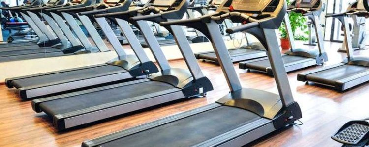 treadmills-in-a-gym