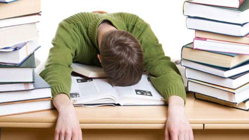 procrastinating-writing-essay