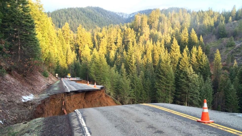 california-mudslides-tear-out-pieces-of-the-road