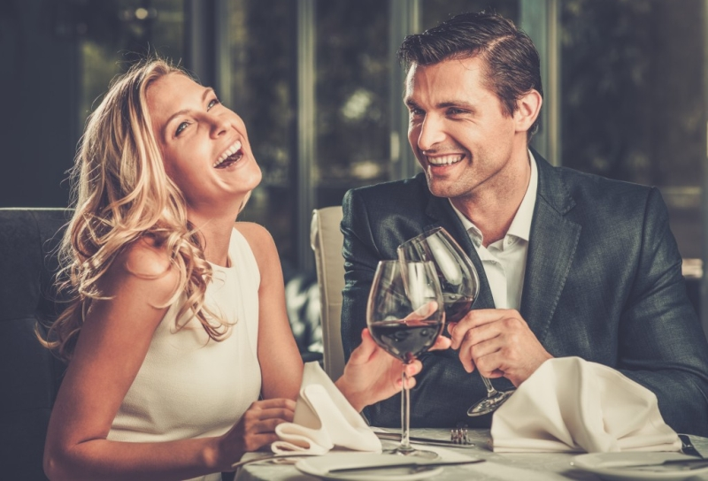 man-and-woman-on-a-date-3