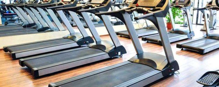 treadmills-in-a-gym